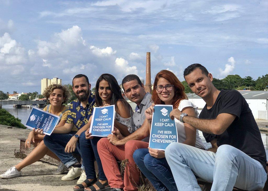 Becarios cubanos del programa de becas Chevening. Foto: Embajada de Reino Unido en Cuba.