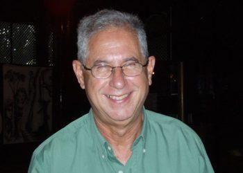 El realizador y crítico Enrique Colina (1944-2020). Foto: Olympus.