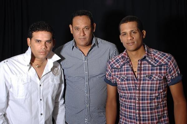 Christian y Rey junto a Pachito Alonso. Foto: Suenacubano.