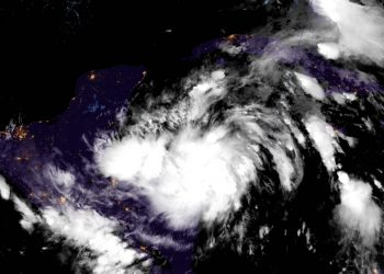 Imagen de satélite de la tormenta tropical Zeta. Foto: National Hurricane Center/Facebook.