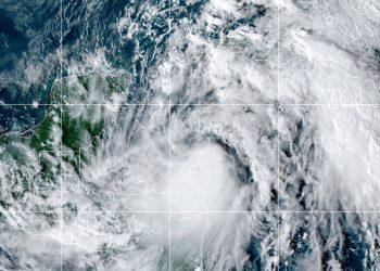 Esta imagen del domingo 25 de octubre de 2020, cortesía de la Oficina Nacional de Administración Oceánica y Atmosférica de Estados Unidos, muestra a la tormenta tropical Zeta. Foto: NOAA/NESDIS/STAR vía AP.