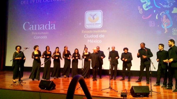 """Vocal Leo, una de las dos agrupaciones vocales cubanas premiadas en Festival/Concurso Internacional de Música Coral """"A Ruginit Frunza Din VII"""" en Chisinau, Moldavia. Foto; Guitar Center."""