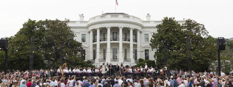 Una fiesta en los jardines de la Casa Blanca.   Foto: Casa Blanca.