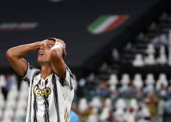 Cristiano Ronaldo reacciona durante un partido de la Liga de Campeones contra Lyon en Turín, Italia.  Foto: Antonio Calanni/AP/ Archivo.
