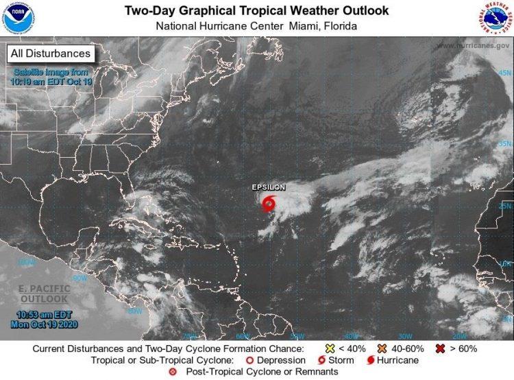 La depresión tropical Veintisiete, que se formó este lunes en el Atlántico, se fortaleció en las últimas horas y adquirió fuerza de tormenta tropical a unas 735 millas (1.185 km) al sureste de las islas Bermudas. Imagen: NOAA-NHC/EFE