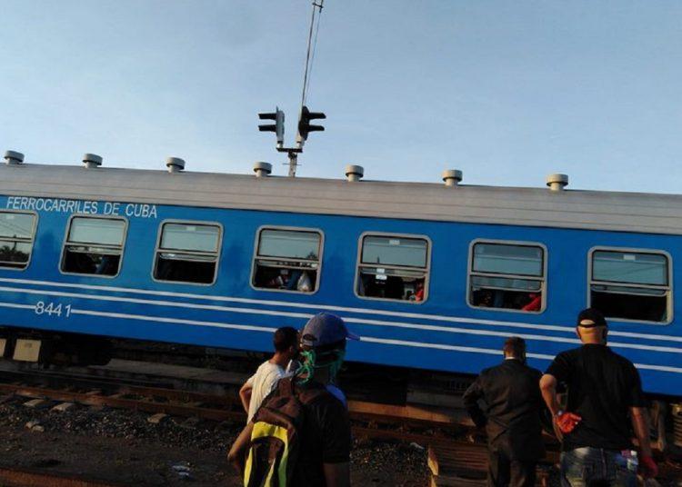 De acuerdo con la Unión de Ferrocarriles de Cuba y la Empresa Nacional de Pasajeros, se pusieron en práctica un conjunto de medidas organizativas para garantizar la continuidad de viajes seguros de los pasajeros hacia su destino. Foto:  https:/facebook.com/luis.l.deguevara