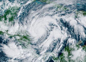 Eta podría impactar como huracán de fuerza mayor a Honduras y Nicaragua. Foto: @nhc.noaa.gov/Facebook.