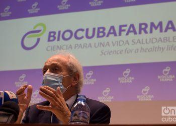 El Dr. Franco Cavalli, presidente de la ONG MediCuba Europa y un reconocido especialista en óncología, director del Instituto Oncológico del Sur de Suiza, durante una conferencia de prensa en La Habana, el 13 de noviembre de 2020. Foto: Otmaro Rodríguez.