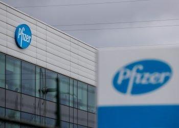 Planta de la farmacéutica Pfizer en Bélgica. Foto:  STEPHANIE LECOCQ/EFE/EPA.