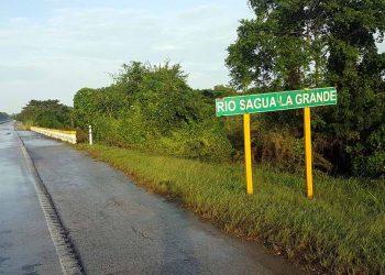 Tramo de la Autopista Nacional de Cuba en las cercanías del río Sagua La Grande. Foto: radiocubana.cu