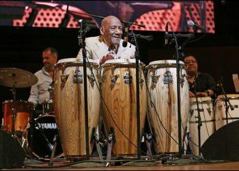 El percusionista desempeñó un notable papel en la consolidación de la música cubana y latina en el circuito de Nueva York, uno de los epicentros culturales del mundo, que fue testigo, no solo de la magistral obra de Camero, sino de todos los músicos cubanos en la diáspora. Foto: chicagotribune.com
