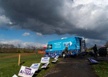 Camión de la campaña del candidato Joe Biden, al norte de Pittsburgh, Pensilvania, el domingo. Foto: Ruth Fremson/The New York Times.