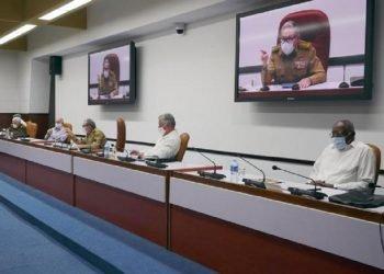 """El Buró Político volvió a tratar """"el clima sociopolítico de la sociedad cubana"""" así como los preparativos del VIII congreso de la formación, previsto para abril del próximo año. Foto: granma.cu"""