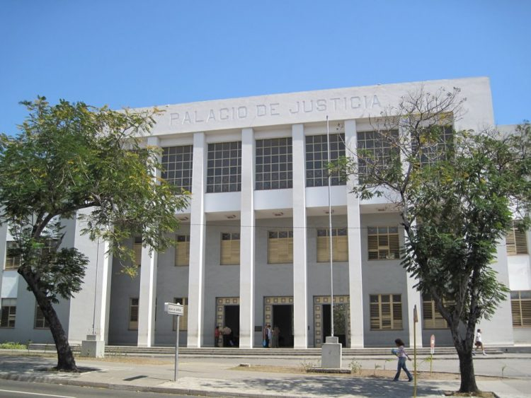 Palacio de Justicia en Santiago de Cuba. Foto: Archivo.