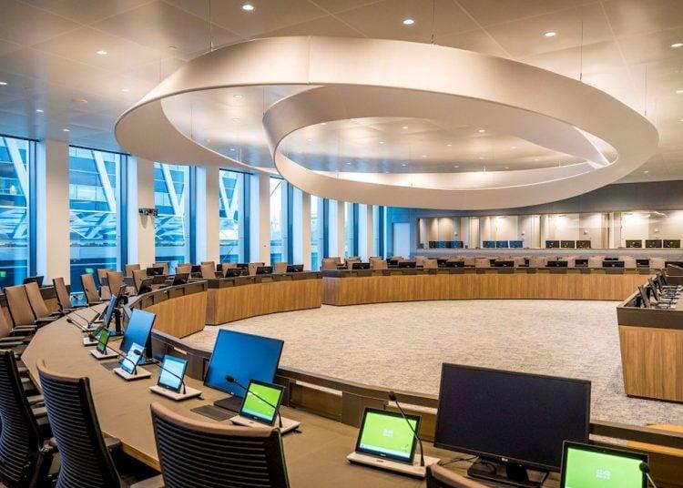 En la Agencia Europea del Medicamento (EMA), con sede en Amsterdam, se evalúa la aprobación de dos vacinas contra el coronavirus. Foto: LEX VAN LIESHOUT/ EFE/EPA/Archivo.