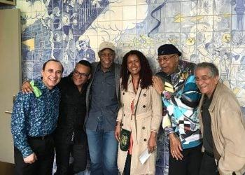 Michel Camilo, Gonzalo Rubalcaba, Danny Glover y su esposa, Chucho Valdés y Bill Martínez. Foto: cortesía del entrevistado.