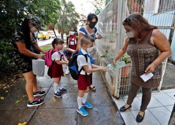 Inicio del curso escolar 2020-2021 en La Habana. Foto: Hola.