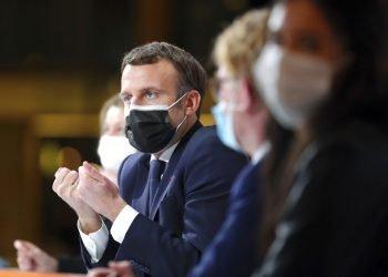 El presidente de Francia, Emmanuel Macron, ofrece un discurso durante la Convención Ciudadana sobre el Clima, en París, el lunes 14 de diciembre de 2020. foto: Thibault Camus/ Pool/AP.