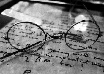 Las gafas de John Lennon, subastadas en Londres. Foto: archivo de El País.