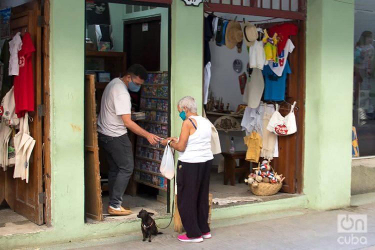 Puntos de venta particulares en La Habana. Foto: Otmaro Rodríguez.