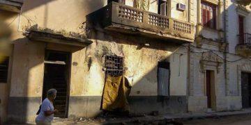 Imagen del sitio donde ocurrió un incendio que provocó la muerte de dos personas en La Habana. Foto: tribuna.cu