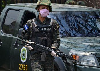Oficial de la Policía de Honduras. Foto: The Epoch Times.