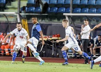 Joel Apezteguía (al centro) es uno de los futbolistas cubanos que migrados que pudiera cumplir su sueño de ser convocado a la selección nacional. Foto: Filippo Pruccoli.