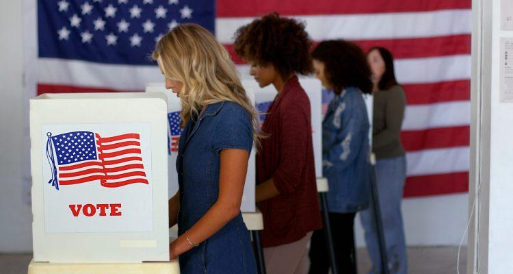 Los jóvenes salieron a votar e hicieron la diferencia en las presidenciales de EEUU. Foto: AP / Archivo.