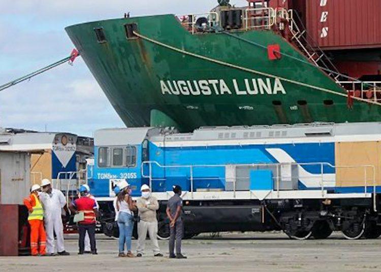 Cuba recibe siete nuevas locomotoras fabricadas por la empresa rusa Sinara. Foto: Sputnik/Miguel Fernández.