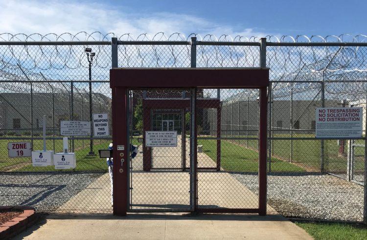 Entrada del Centro de Detención Stewart, en Estados Unidos. Foto: CVT.
