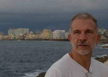 El realizador, curador y crítico Andrés D. Abreu. Foto: Ricardo Rodríguez Gómez.