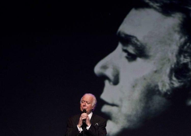 El cantante Carlos do Carmo. Foto: Sapo.