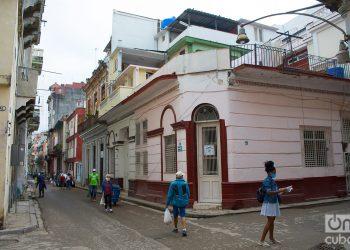 Calle Empedrado, en La Habana. Foto: Otmaro Rodríguez.