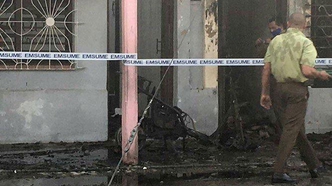 Una de las casas del incendio. Foto: El Invasor.