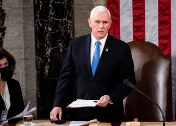 El vicepresidente preside la ceremonia de certificación de los votos electorales de  Joe Biden. | Foto: Erin Schaff / Pool/ Via AP