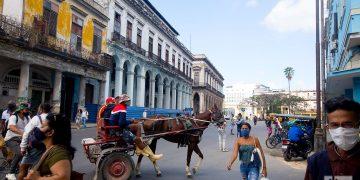 Calle Egido, o Avenida de Bélgica, en La Habana. Foto: Otmaro Rodríguez.