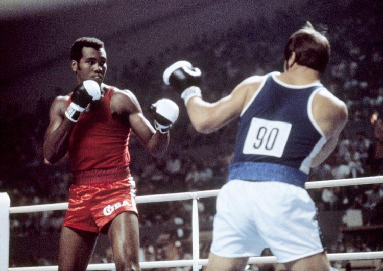 Stevenson peleando en Montreal vs. Pekka Ruokola (Finlandia). Foto: AIBA.