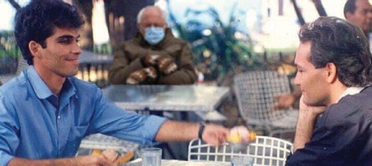 Sanders junto a David y Diego, otro meme de la famosa foto de Brendan Smialowski.