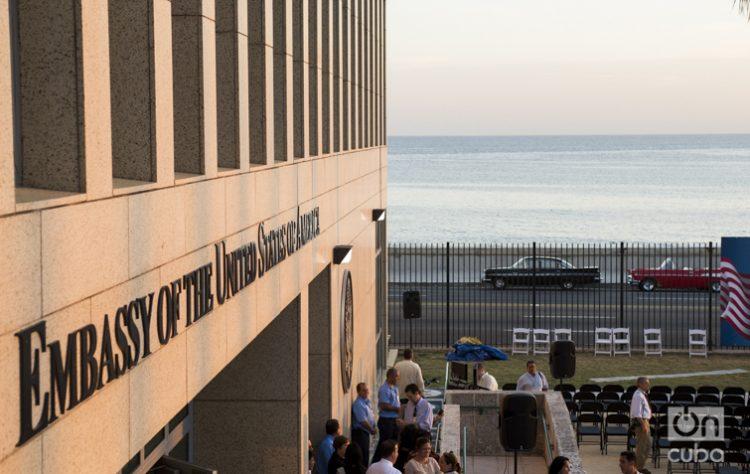 Embajada de Estados Unidos en La Habana, foto tomada el día 14 de agosto de 2015 durante la inauguración oficial encabezada por el Secretario de Estado John Kerry. Foto Alain Gutiérrez (archivo)