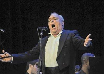 El barítono Ulises Aquino, director de la  Ópera de la Calle. Foto: Archivo.