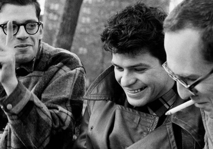 Allen Ginsberg, Gregory Corso y Barney Rosset en Washington Square Park, New York, 1957. Foto; Arcchivo.