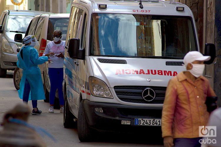 Personal sanitario en La Habana, durante el rebrote de la COVID-19 en los primeros meses de 2021. Foto: Otmaro Rodríguez.