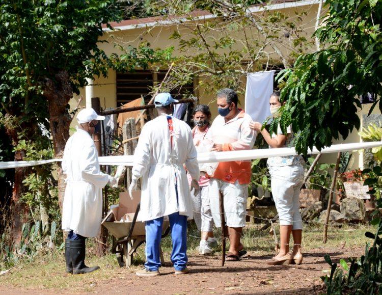 Viviendas en cuarentena en una comunidad de la Isla de la Juventud. Foto: acn.cu