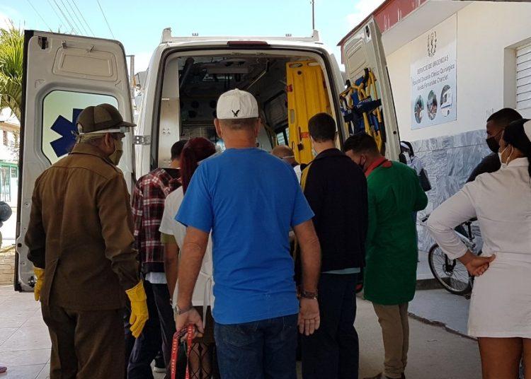 Pacientes del accidente trasladados al hospital de Mayabeque. Foto: Cubadebate.