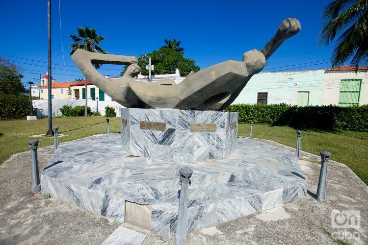 Monumento homenaje a los mártires de Regla, en el poblado de igual nombre, en La Habana. Foto: Otmaro Rodríguez.