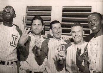 Ramón Carneado (al centro) dirigió a Industriales en sus primeras temporadas en Series Nacionales y todavía ostenta el récord de cuatro campeonatos consecutivos. Foto: Archivo.