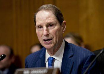 El senador Ron Wyden. Foto: wsj.com