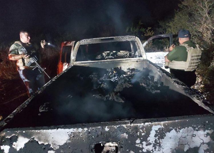 Una de las dos camionetas halladas en Tamaulipas en enero, dentro de las que se encontraron 19 cuerpos calcinados. Foto: twitter.com/DenisseRomeroM