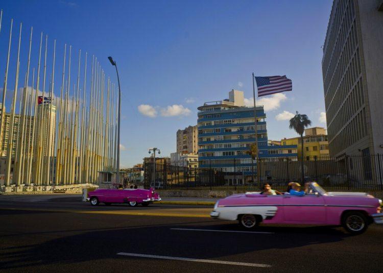 El gobierno cubano espera para el 2021 que la administración del presidente Biden revierta la medida tomada por la anterior administración en cuanto a la relación entre las dos naciones. Foto: Ramon Espinosa/Ap/Archivo.