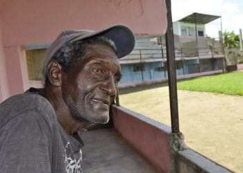 Gregorio Pérez, gloria del béisbol cubano, fallecido el 15 de febrero de 2021, durante una entrevista con OnCuba en 2019. Foto: Oreidis Pimentel / Archivo.